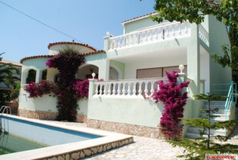 Росес недвижимость испания