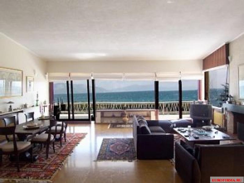 Дом на берегу моря Камена Вурла